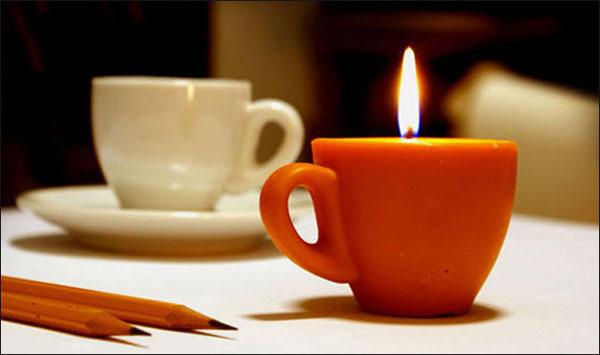 свеча в виде кофейной чашки