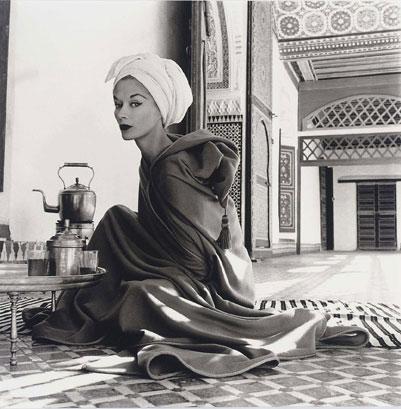 Женщина во дворце Марокко (Лиза Фонсагривс-Пенн), Маракеш, 1951