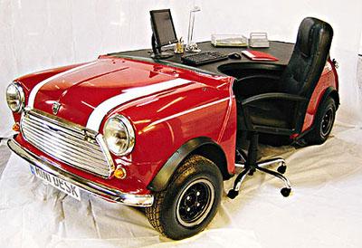 офисный стол в виде машины мини-купер