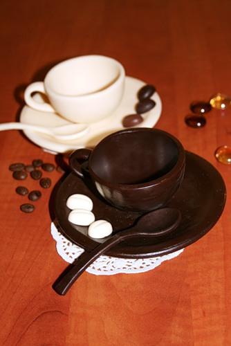 чашки из шоколада