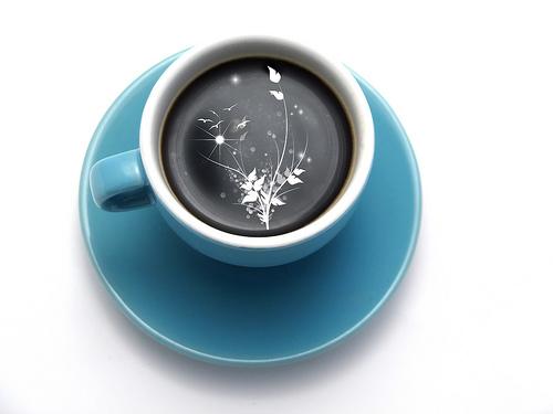 в чашке черного кофе