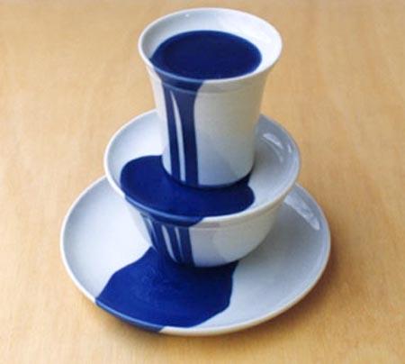 кофейная чашка в стиле сюрреализма / дизайнер Густав Норденскёльд (Gustaf Nordensk?ld)