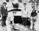 Уничтожение кофе во время экономического кризиса, 1939 год.