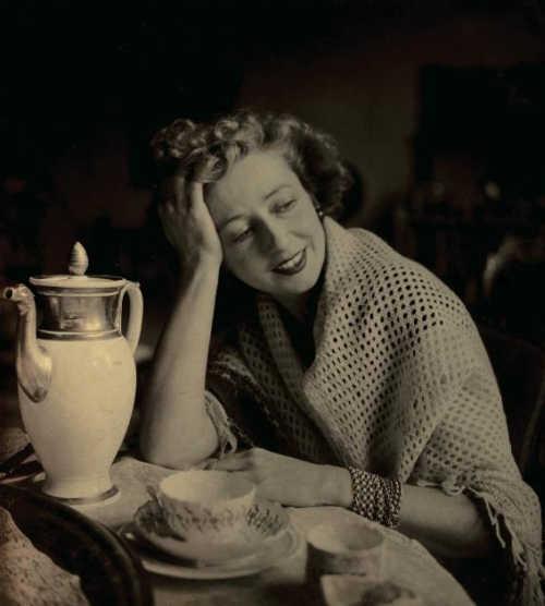 Писательница Лесли Бланч / Writer Lesley Blanch, 1945