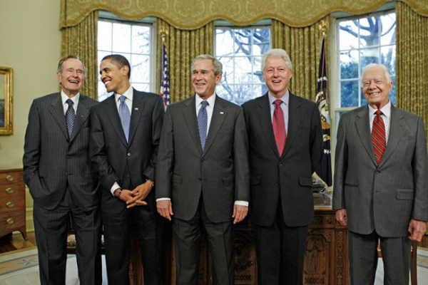 07.01.2009 пять президентов США собрались на ланч в Белом доме.