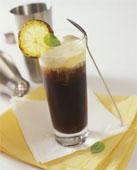 Коктейль - кофе с ромом и лимоном