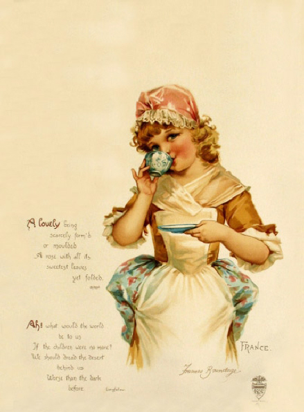 Девочка-француженка пьет кофе - старинная открытка