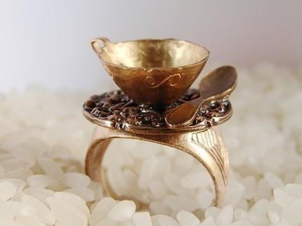 Необычное кольцо в подарок кофеманке