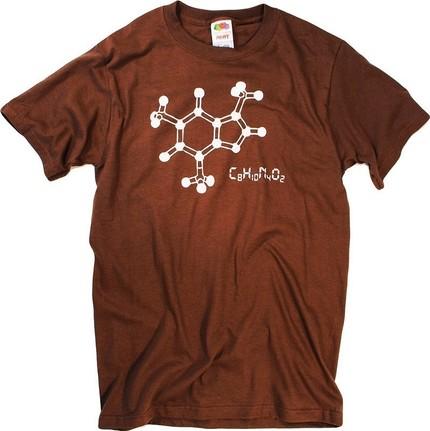 футболка кофемана с картинкой формулы и молекулы кофе