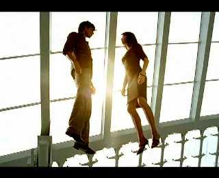 Кадр из рекламного ролика для кофе carte noire с участием Ольги Куриленко