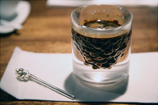 Необычный стакан для кофе