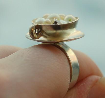 Серебряное кольцо с жемчугом в виде чашки кофе каппучино