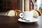 Кофейный столик из экономичных материалов