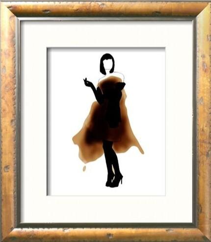 Эскиз женского платья на пятне от кофе
