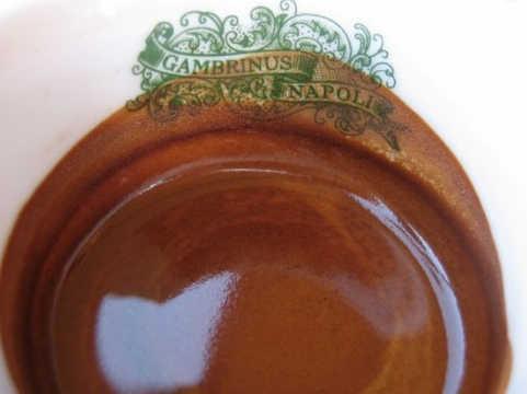 Историческое кафе Гамбринус в Неаполе