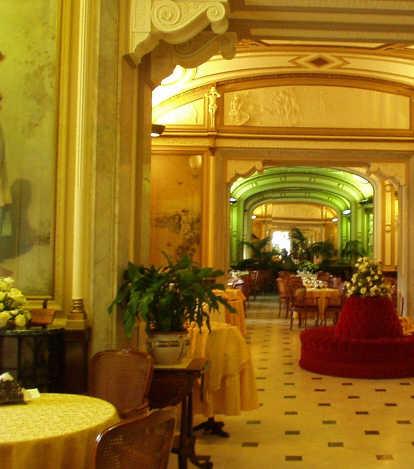 интерьер кафе Гамбринус в Италии