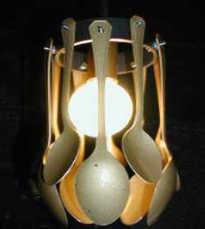 Светильник из ложек