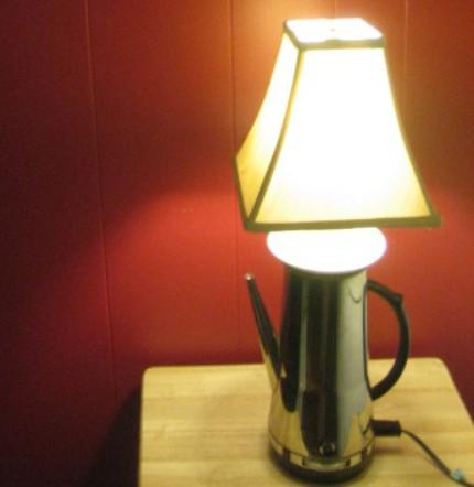 Самодельный настольный светильник из электрического кофейника