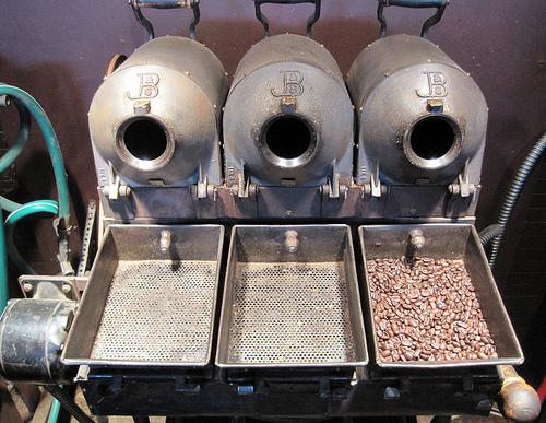 Старинная установка для обжарки кофе