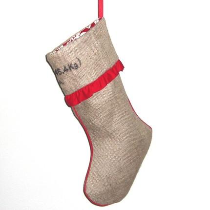 Подарочный носок из кофейного мешка