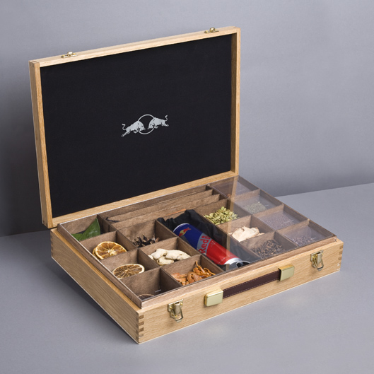 Подарочная коробка специй для напитка Red Bull Cola